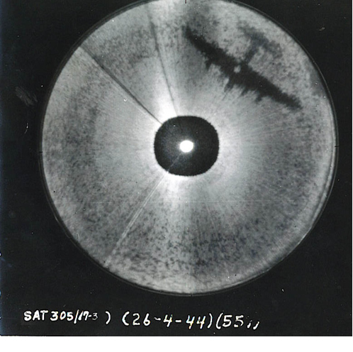 Shadow of a B-17 bomber as seen on the H2X radar scope